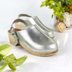 Hanna Anderson Silver Swedish Platform Clogs Girls
